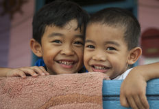 斯里巴加湾市/BRUNEI, 2007年2月10日-的孩子 库存照片