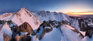 斯洛伐克山lanscape panorami在Tatras 免版税库存照片