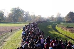 从斯洛文尼亚难民危机的剧烈的图片 库存照片
