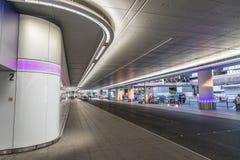 新下降并且在法兰克福国际机场拾起区域 库存图片