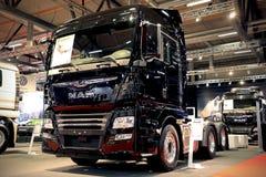 新人TGX 28 500在显示的卡车 免版税库存照片