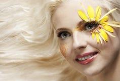 新俏丽的妇女艺术纵向。 免版税库存图片