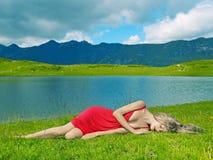新典雅的夫人的山 库存图片