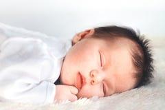 新出生婴孩休眠 图库摄影