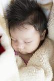 新出生的女孩 免版税库存图片