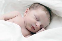 新出生的婴儿 免版税库存照片