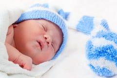 新出生的婴孩(在7天岁) 免版税库存图片