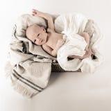 新出生婴孩休息 免版税库存照片