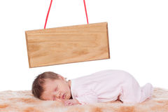 新出生婴孩睡觉 免版税图库摄影