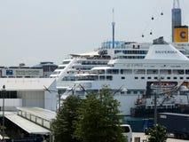 新加坡口岸和巡洋舰 免版税库存图片