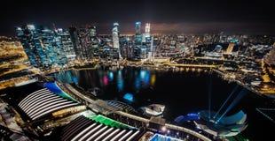 新加坡在夜之前 库存照片