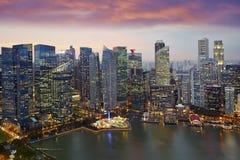 新加坡地平线,小游艇船坞海湾中心商务区 免版税库存照片