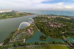 新加坡小游艇船坞堰坝水库鸟瞰图 库存图片