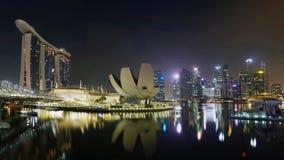 新加坡小游艇船坞海湾夜,地平线 免版税库存照片
