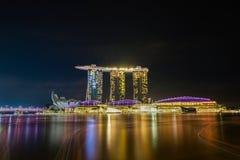 新加坡小游艇船坞海湾的夜展示 库存照片