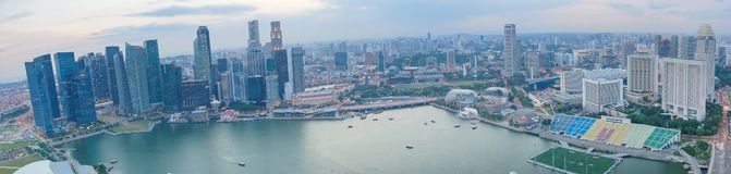 新加坡市全景有海湾视图 现代亚洲特大的城市 免版税库存图片