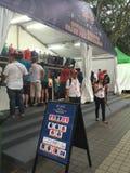 新加坡格兰披治2015年惯例商品摊位 免版税图库摄影