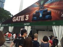 新加坡格兰披治F1 2015年由小游艇船坞海湾,新加坡的安全入口 库存照片