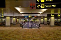 新加坡樟宜机场机场主楼内部  免版税库存照片