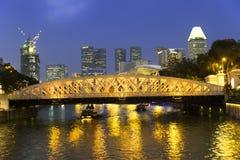 新加坡河。安徒生桥梁。 免版税图库摄影
