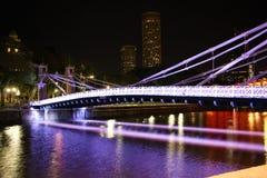新加坡河和克拉码头在晚上 免版税图库摄影