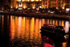 新加坡河在晚上 免版税库存照片