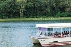 新加坡河徒步旅行队小船游览,新加坡, 2018年4月14日 免版税库存图片