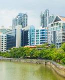 新加坡河现代建筑学  免版税库存图片