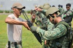 新加坡海军(RSN)和TNI-AL Kopaska锻炼海军潜水单位(NDU)共和国 库存照片