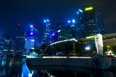 新加坡街市在晚上 免版税库存照片