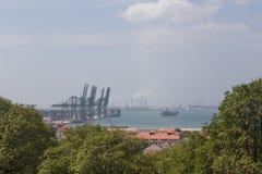 新加坡集装箱码头看法  库存图片