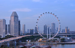 新加坡飞行物在晚上 图库摄影