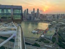 新加坡飞行物日落视图 免版税库存照片