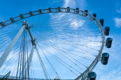 新加坡飞行物-第二大弗累斯大转轮在世界上 免版税库存图片