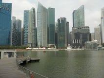 新加坡,从小游艇船坞海湾的看法Scyscrapers  免版税库存图片