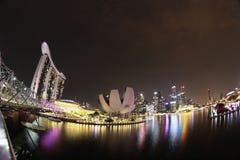 新加坡,小游艇船坞海湾海湾的看法在晚上 库存图片