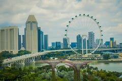 新加坡,新加坡- 2018年2月01日:新加坡飞行物美好的室外看法-最大的弗累斯大转轮  免版税库存图片