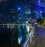 新加坡, 1月2017 10日-小游艇船坞海湾financi的风景 免版税库存照片