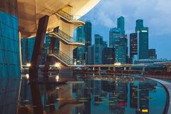 新加坡, 12月20,2013 :城市地平线的看法在晚上 图库摄影