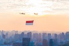 新加坡50年国庆节彩排小游艇船坞海湾旗子回顾 免版税图库摄影