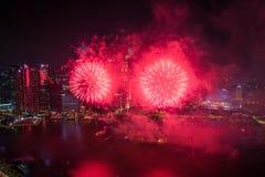 新加坡50年国庆节彩排小游艇船坞海湾烟花 库存照片