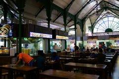 新加坡- 2016年7月23日, :拉乌Pa星期六节日市场以前叫作Telok Ayer -现在它是一桌普遍的承办酒席 库存图片