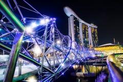 新加坡-10月28日:小游艇船坞海湾铺沙度假旅馆和螺旋 图库摄影