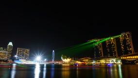 新加坡- 2015年8月11日:新加坡地标在夜t 免版税库存照片