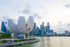新加坡-2015年7月19日:ArtScience博物馆是一个attra 库存图片