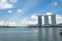 新加坡7月15日2015年:小游艇船坞海湾在新加坡铺沙手段 库存照片
