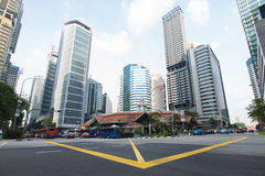 新加坡- 4月10,2016 :大厦和摩天大楼在新加坡 免版税库存照片