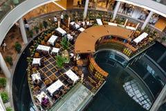 新加坡- 2月3 :餐馆的看法小游艇船坞Sa海湾的 库存照片