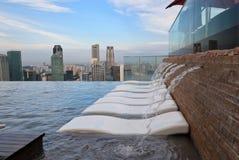 无限游泳池在新加坡 库存图片