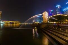 新加坡- 4月30 :Merlion 2016年4月30日的雕象喷泉 免版税库存图片